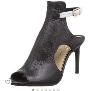 Jessica Simpson Black Leather Manali Pumps 9-1/2M